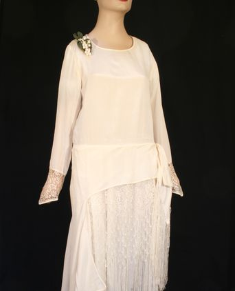 Front showing shaped sash and floating side panel