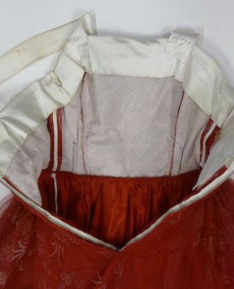 Detail - Stiffening in Bodice