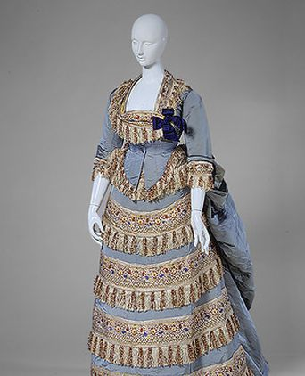 The Metropolitan Museum of Art's Worth Ball Gown, 1872 (C.I.46.25.1a–d) (http://www.metmuseum.org/toah/works-of-art/C.I.46.25.1a-d)