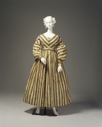 Dress thought to have been worn by Elizabeth Marsden (mother of Anne Marsden), c.1830 [PHM Object No. A7880]