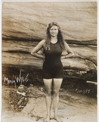 Mina Wylie, Coogee, 1913, PXE 1028. State Library of NSW