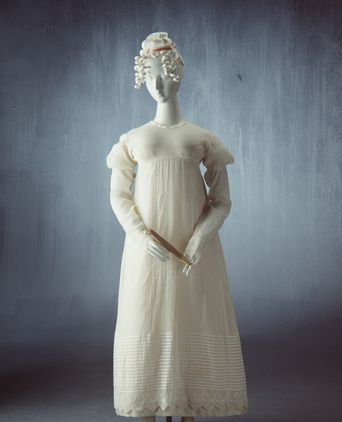 Ball gown thought to have been worn by Ann Marsden, 1822, Photo: Sotha Bourn, Powerhouse Museum