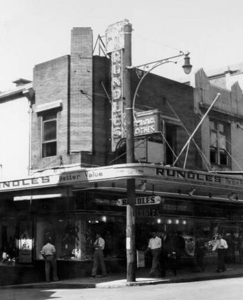 Rundles Ltd., Hunter St., Newcastle, 2 November 1953 (Hunter Photo Bank).