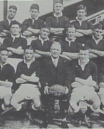 Manly-Warringah District Junior Rugby League Team c.1932. Henderson (Vice Captain) front row, second from the left.