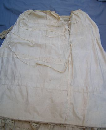Underside of skirt showing ties and channels