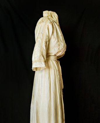 Wedding Dress Mary Box 1918  side